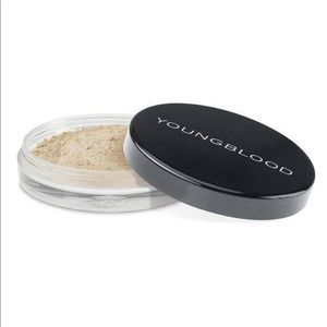 YOUNGBLOOD Natural Mineral Loose Foundation Pearl